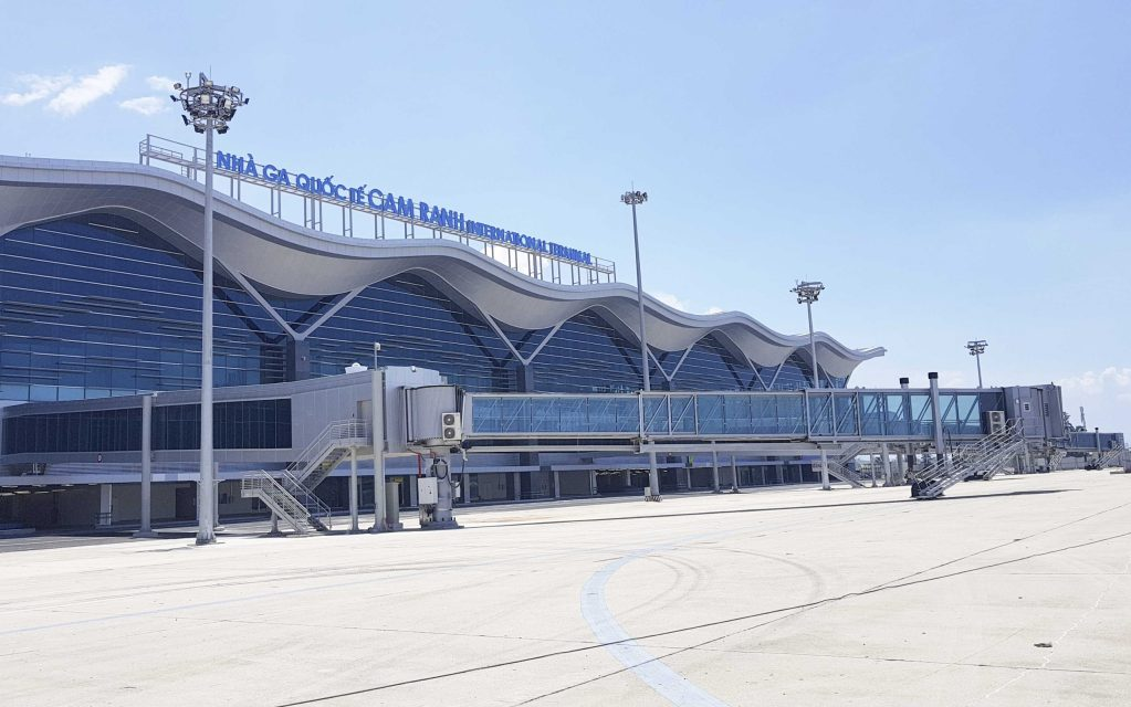 Thuê xe đưa đón sân bay Cam Ranh đi Nha Trang siêu rẻ từ 250000 VND