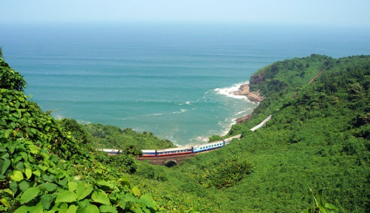 Danang to Hue by train