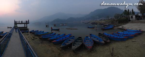 Danau Phewa di Pokhara, Nepal