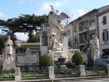 Monumento aos Mortos na Segunda Guerra - Praça Antonio Gramsci