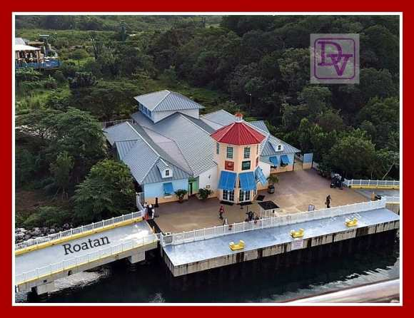 Roatan, Honduras, Island, Port of Call, Adventure, West Bay Beach, beaches, exotic animals, water, fun, sun, travel, destination, family vacation, destinations, vacaciones, viajes, viaje