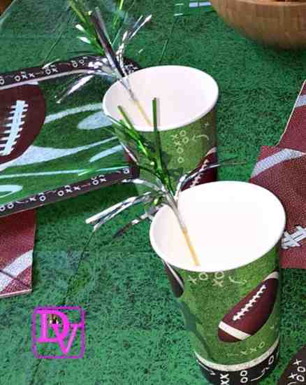 how to decorate for a football party,How To Decorate For Football Parties , how to , party, food, football parties, easy football parties, how to decorate for a party, family room, foods, beverages, family, friends, feet, clean up, ease of clean up, FanMats, tablecloths, napkins, cups, cookies, pizza, dana vento, party blogger, food blogger, dana