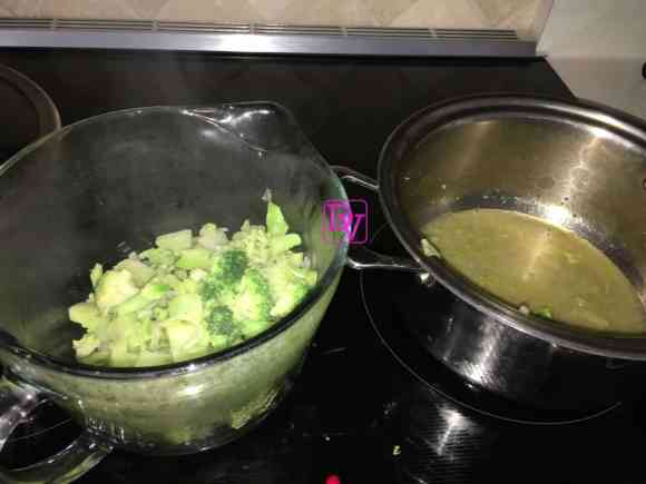 broccoli-cheddar-broth-removing