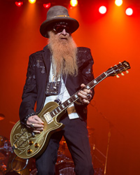 Billy Gibbons of ZZ Top performing in San Antonio Texas 2015 1 - Jazz Lounge Singer (a SociallyAwkward comic)