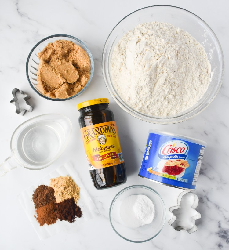 Ingredients needed to make soft gingerbread cookies