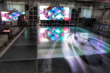 Holographic-dance-floor-with-black-border