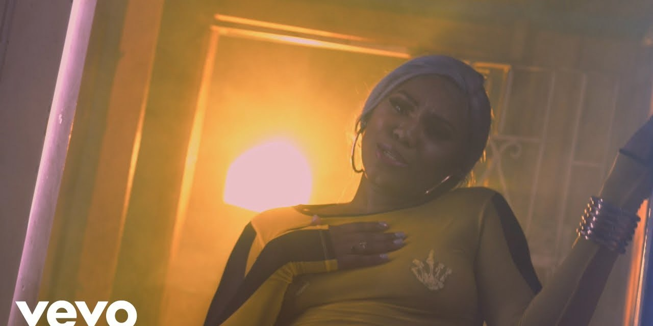 Vybz Kartel, Lolaa Smiles – Addi Right Size – Official Music Video