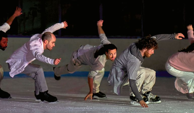 Le Patin Libre's Samory Ba, Alexandre Hamel, Taylor Dilley, Jasmin Boivin and Pascale Jodoin in Threshold Photo: Romain Guilbault