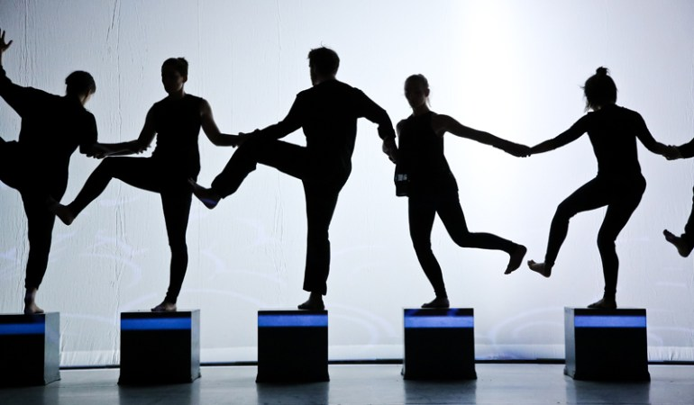 Winnipeg's Contemporary Dancers in Brent Lott's As Though I Had Wings Photo: Leif Norman