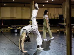 Australian Dance Theatre's remount of 'Construct' by Tanja Liedtke. Photo by Chris Herzfeld Camlight Productions.