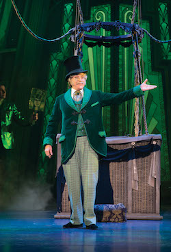 Anthony Warlow in 'The Wizard of Oz'. Photo by Jeff Busby.