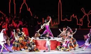 Opera Australia in 'La Traviata'. Photo courtesy of Opera Australia.