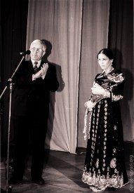 "Head of Karelia Viktor Stepanov awards Vera Evgrafova the title of ""Honored Worker of Culture of Karelia"", 1998"