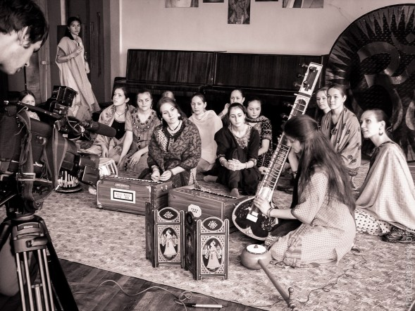 Mayuri history - music and singing education