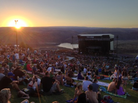 https://i0.wp.com/dancemusicnw.com/wp-content/uploads/2015/04/DMB-at-The-Gorge.jpg?w=474