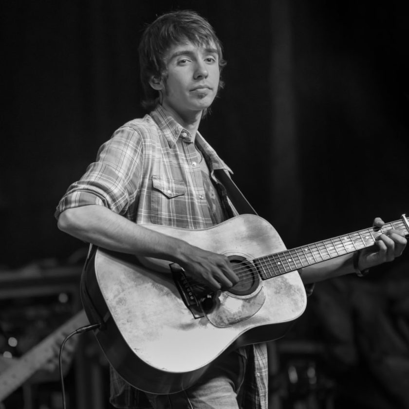 Mo Pitney (Photo by Johnny Nevin)