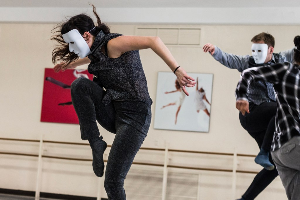 """DanceWorks Chicago dancers in rehearsal for Manuel Vignoulle's """"I Am ..."""" (Photo by Joseph A. Hernandez)"""