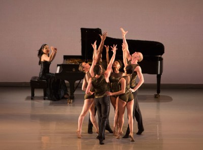 Aspen Santa Fe Ballet performing Jorma Elo's Half/Cut/Split with Joyce Yang (Photo by Rose Eichenbaum)