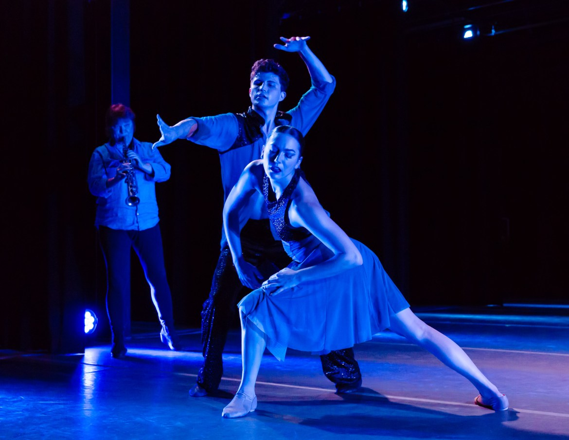 Cerqua Rivera Dance Theatre (Photo by Dan Kapsberger)
