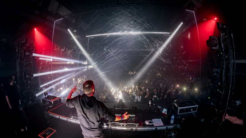 David Guetta lights Brooklyn up on New Years with Light & Life – photos by Mike Poselski12 31 18 DavidGuetta@BNY ByPoselskiPhotos 3