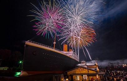 fireworks-TITANIC1
