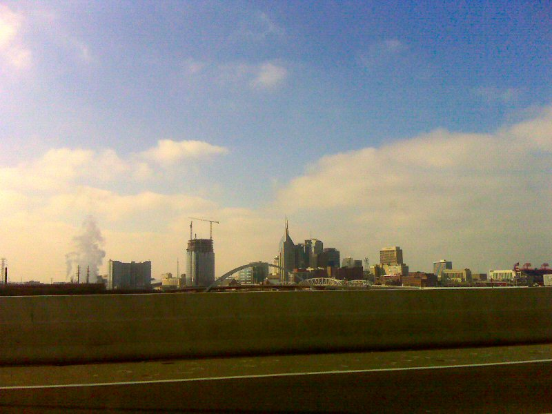 the sun came out as we headed into Nashville