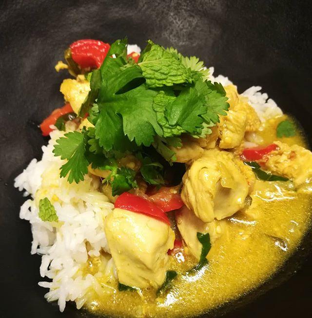 Tonight's Thai Curry at Eterna Pop-up Restaurant at Dancing Lion Chocolate.#chocolatier #restaurant #thai @eternapopup