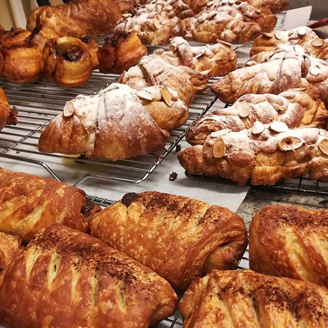 For those who ordered, THANKSGIVING CROISSANTS are ready to pick up.Note the mega-super croissant in the back.#chocolatier #croissants #thanksgiving