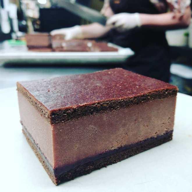 ICE CREAM SANDWICH - Blackberry and El Salvador dark chocolate.#chocolatier #icecream #icecreamsandwich
