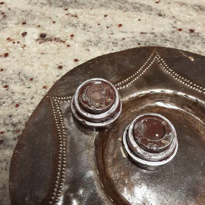CAFFEINE IN MOONLIGHT: spiced coffee cloud caramel in Guatemalan dark chocolate with a touch of sea salt#chocolatier #caffeine #silver