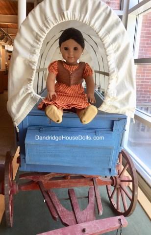 Josefina found a wagon her size.