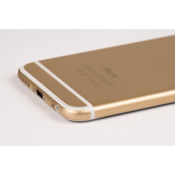 Corner of the UltraTough Clear Skins for iPhone 6