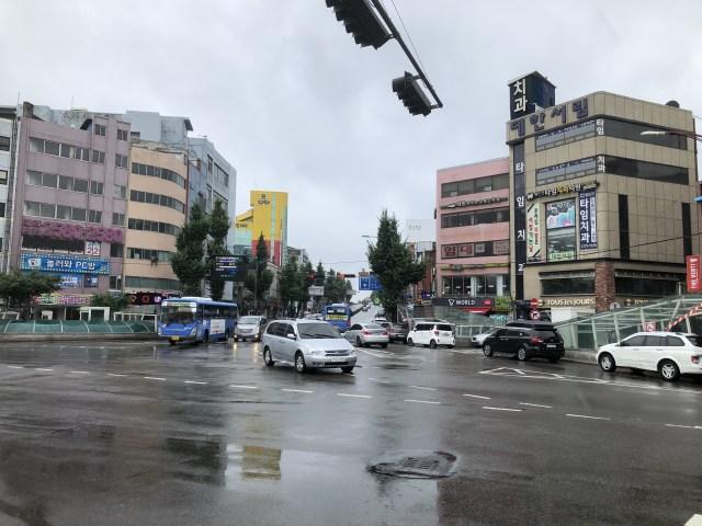 東仁川駅前の様子
