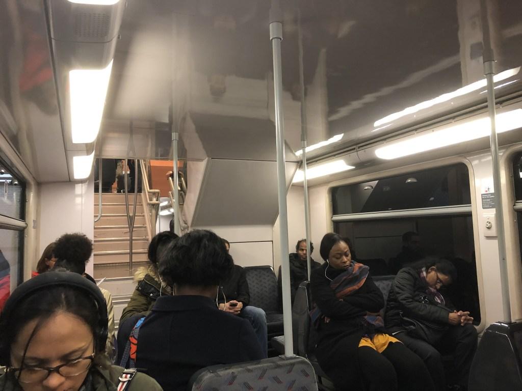RER A線車内の様子です。