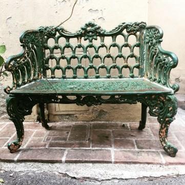 Bitte Platz nehmen - Bank in Lajatico