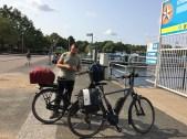 Routenplanung: Henrik mit Handy