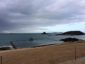 Schwimmbecken in Saint Malo