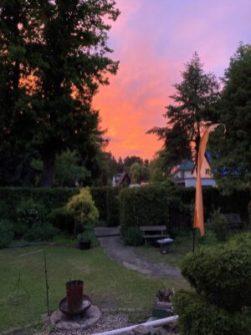 Abenddämmerung im Garten