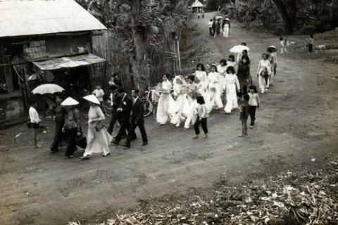 Image result for đám ma xưa