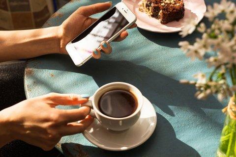 Giới trẻ uống nhiều cà phê sẽ không tốt vì nó có thể ảnh hưởng đến tâm trạng
