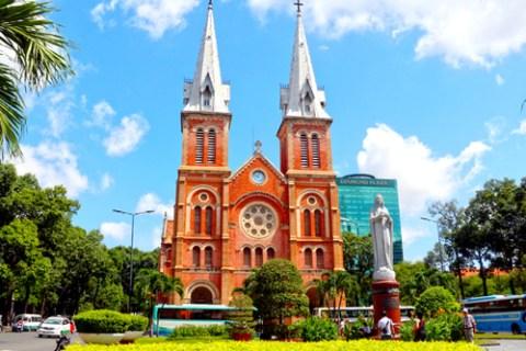 Nhà thờ Đức Bà Sài Gòn bắt đầu được trùng tu - VnExpress