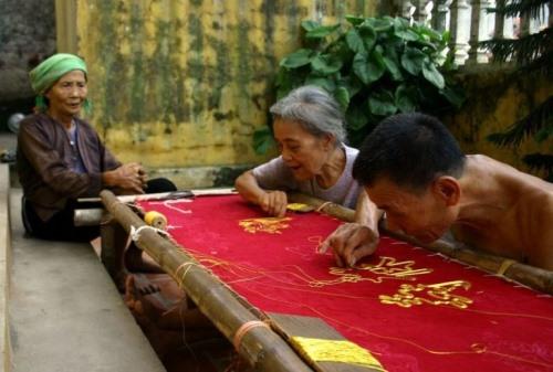 Nghề cổ đất Việt: Thêu Văn Lâm