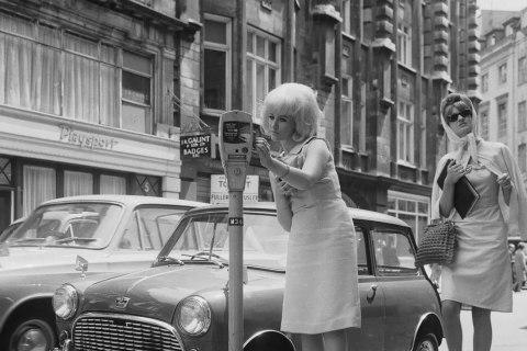Ngày này 85 năm trước, parking meter xuất hiện, thứ giải quyết hiệu quả bài toán đậu xe!