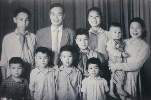 """Đại gia đình 99 Trần Hưng Đạo, Hà Nội"""": tháng mười hai 2014"""