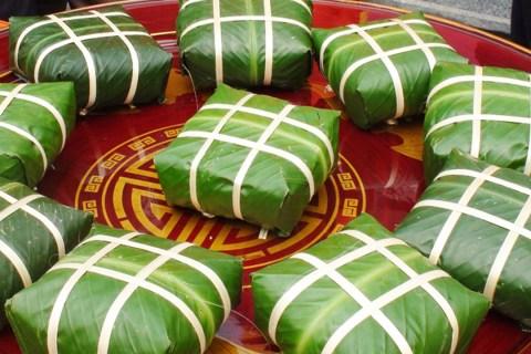 Bánh chưng bà Thìn là đặc sản Nam Định trứ danh, là niềm tự hào của người dân vùng quê Hải Hậu.