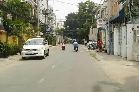 Cho thuê Nhà nguyên căn, quán cafe sân vườn quận Phú Nhuận, mặt tiền đường  Lam Sơn phường 05 gần Nguyễn Văn Đậu !