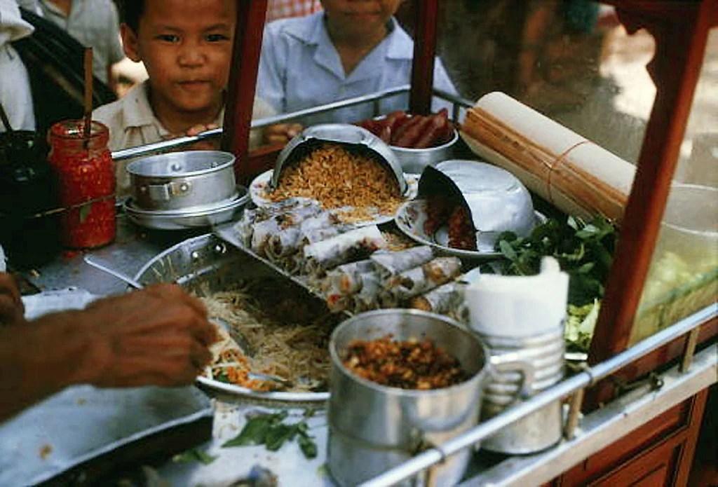 "SAIGON 1966 - BÒ BÍA - Vietnamese ""Wrap & Roll"" | manhhai | Flickr"