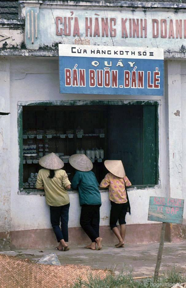 Hὸa Bὶnh: Chợ