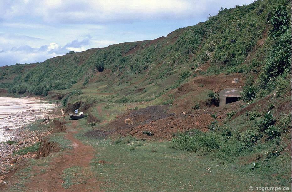 Lối vào hệ thống đường hầm Vῖnh Mộc