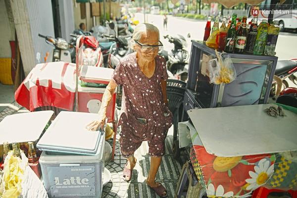 Bà cụ nói được 4 thứ tiếng ở Sài Gòn
